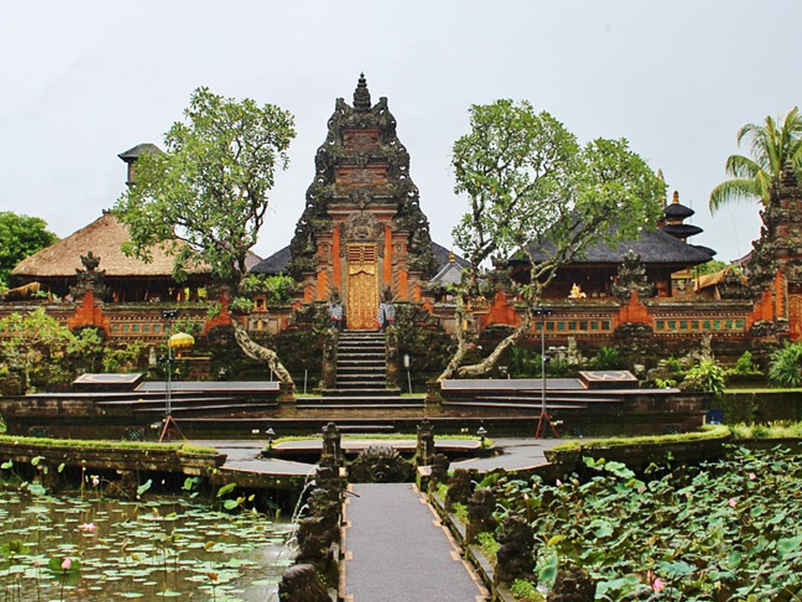 Bali Serta Seni Beriklan di Dalamnya