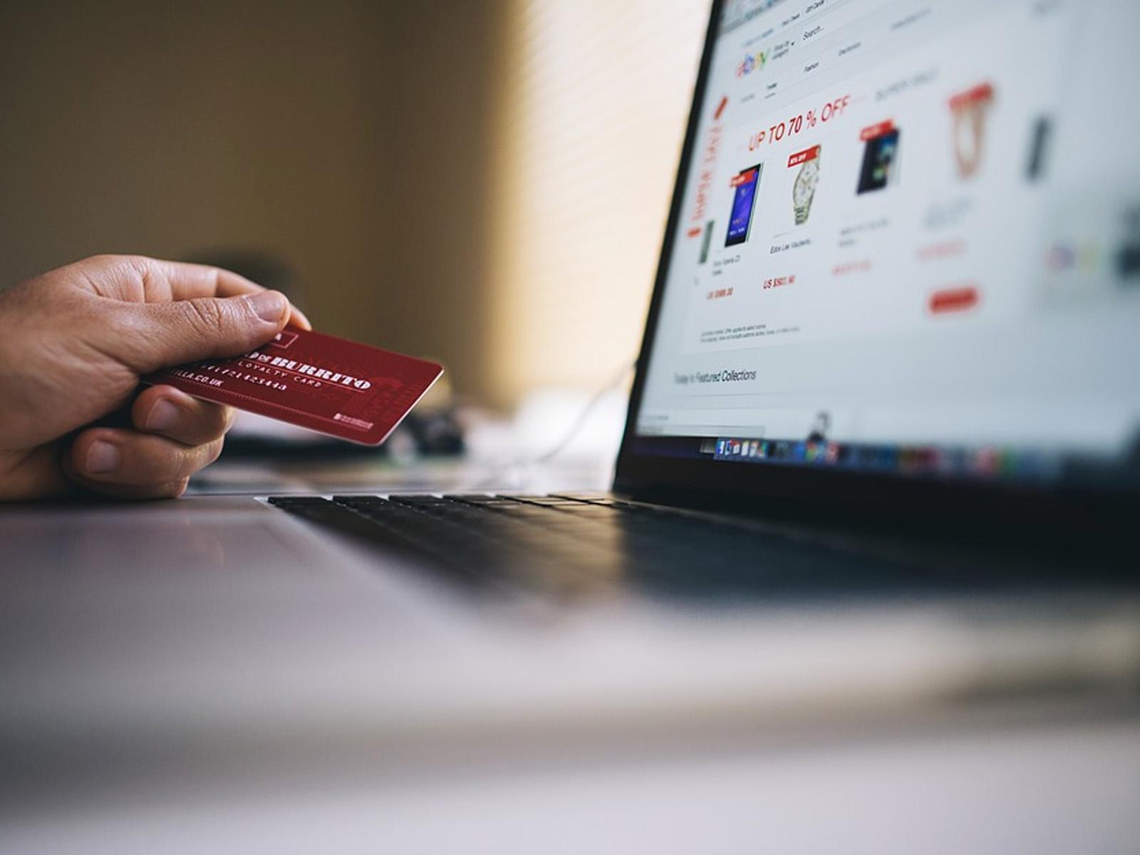 Faktor  yang Membuat Customer Tertarik Untuk Membeli Produk